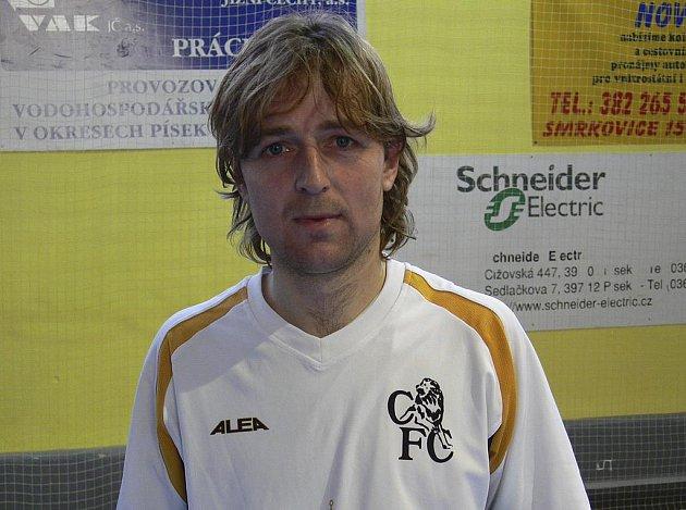 Jiří Kunt vstřelil ve dvou zápasech okresního přeboru ve futsalu-FIFA za tým Chelsea Fans čtyři góly.