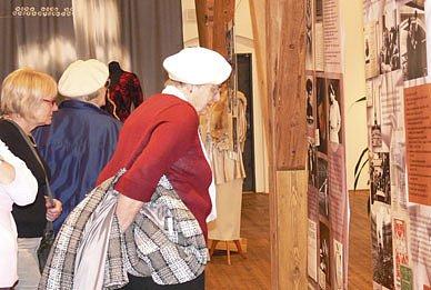 V písecké Sladovn  je do do 29. března otevřena výstava nazvaná Život a doba  spisovatele Karla Čapka.