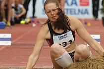 Na snímku je exmilevská atletka a česká reprezentantka Kateřina Kašparová při jednom z pokusů v trojskoku.