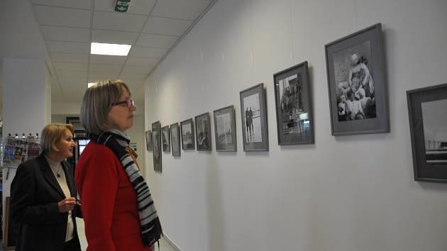 Vernisáž výstavy fotografií Věry Koubové.