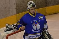 BRANKÁŘ. Václav Pipek dres Písku oblékne ve druhé sezoně po sobě, v loňské pomohl k postupu z krajského přeboru do II. ligy. Ve třetí nejvyšší soutěži s Pískem působil už v sezoně 2009/10.