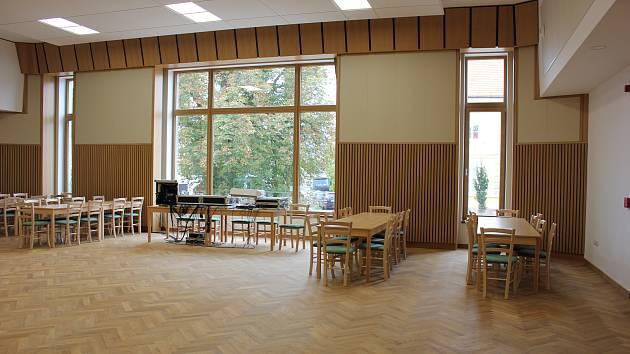 Kulturní centrum v Sepekově má i nové komerční prostory pro kadeřnictví a cukrárnu.