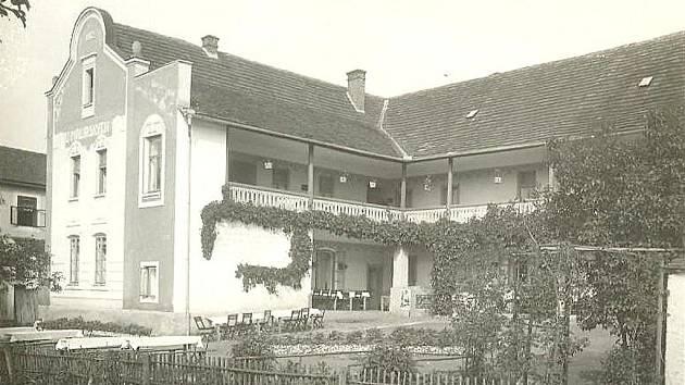 Penzion  U Malířských v Písku  v třicátých letech minulého století.