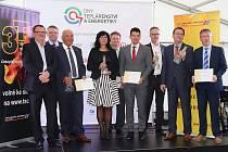 Ceny vítězným Projektům roku vpěti soutěžních kategoriích předal předseda výkonné rady Teplárenského sdruženíČR Tomáš Drápela.