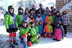 Členové píseckého lyžařského oddílu na soustředění na rakouském ledovci Kaunertal.