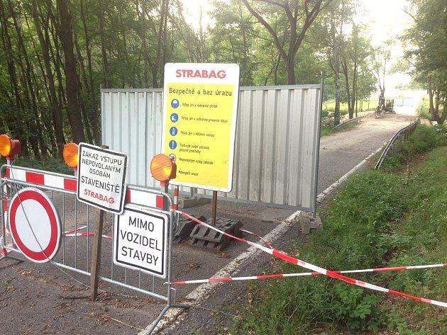 Oprava mostu u Ražic.
