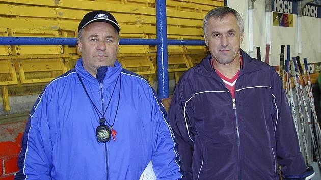 Na snímku jsou trenéři mládeže hokejového klubu IHC Komterm Písek Miroslav Šperl (vlevo) a Karel Slabý.