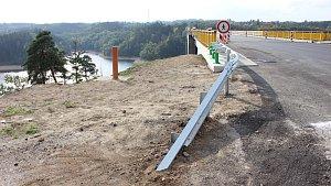 Rekonstrukce Žďákovského mostu končí