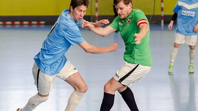 Poslední čtyři týmy bojují o okresní futsalové finále.