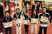 Závodníci z SKP karate Písek.