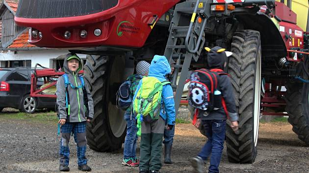 Den zemědělce a venkova na Školním statku v Dobešicích.
