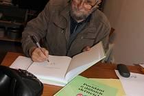 Spisovatel Pavel Suček.