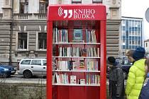 Otevření knihobudky v Palackého sadech v Písku.