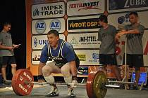 Na snímku je putimský rodák Josef Máška, který na mistrovství Evropy masters v silovém trojboji v Plzni vybojoval ve své kategorii zlatou medaili a titul mistra Evropy.