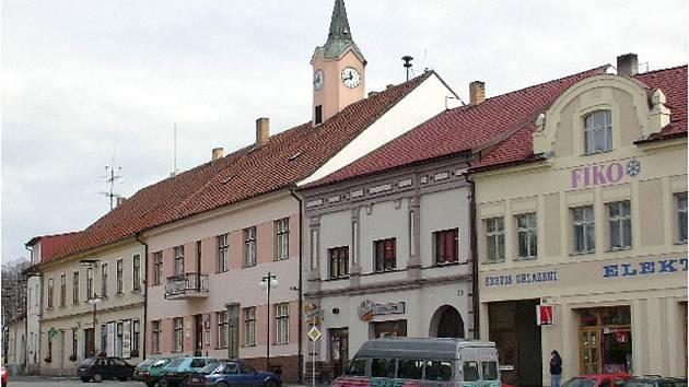 Město Mirovice - náměstí s radnicí.