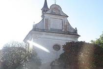 Kaple sv. Jana Nepomuckého v Horosedlech.