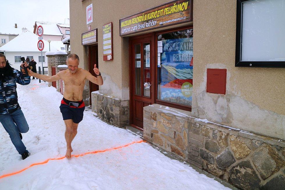 Josef Šálek uběhl v neděli 17. ledna v Pelhřimově půlmaraton za 1 hodinu 36 minut a 21 vteřin.