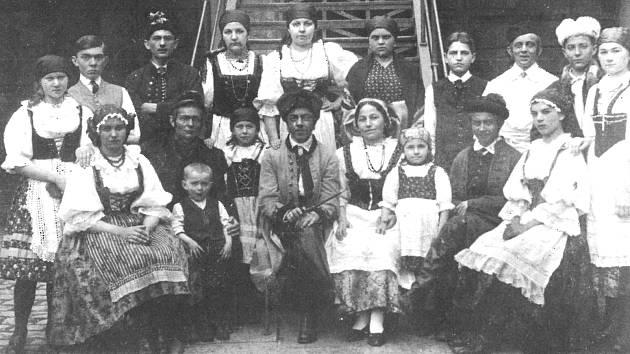 Ochotnické divadlo v Písku. Představení Gazdina roba v roce 1935
