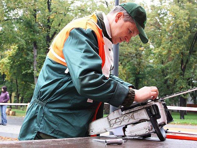 Soutěž v lesnických dovednostech.