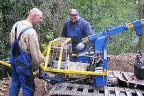 Nový lesní traktor.