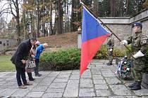 Vzpomínková akce na Lesním hřbitově v Písku.