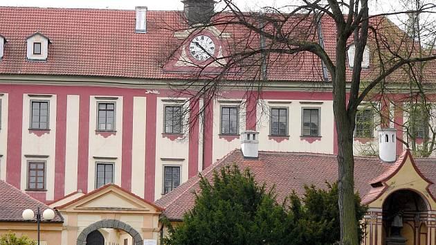 Protivínský zámek - problém pro všechny kolem...