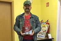 Pro výhru si do redakce Píseckého deníku přišel pan Jiří Čunát ze Sepekova, který se stal vítězem druhého kola. Odnesl si sebou hned dvě balení s pivy. Výhru vyzvedl i pro svého příbuzného Víta Čunáta, jenž vyhrál minulé kolo.