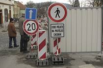 Omezení  pro motoristy a chodce z lokality Bakaláře  v Písku již brzy zcela zmizí. Rekonstrukce se blíží k závěru.