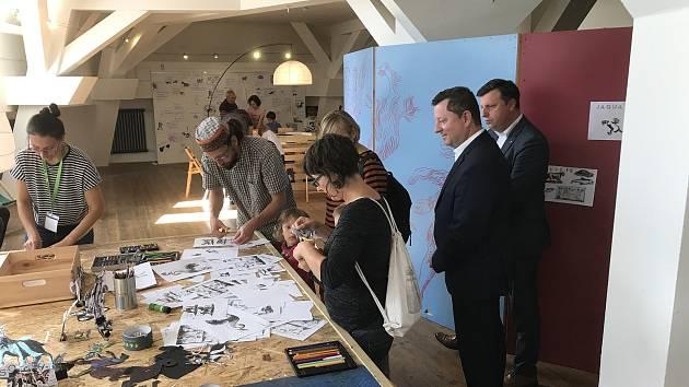 Ministr kultury Antonín Staněk navštívil píseckou Sladovnu.