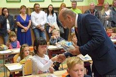 První školní den v ZŠ Bernartice.