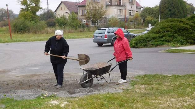 Úklidové práce v Branicích.