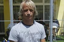 Fotbalista Rudolf Otepka navštívil v sobotu Písek a o den později se dobrým výkonem podílel na vítězství Dynama České Budějovice 1:0 nad pražskou Spartou.