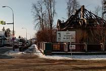 Vyhořelý rodinný dům v Čimelicích.