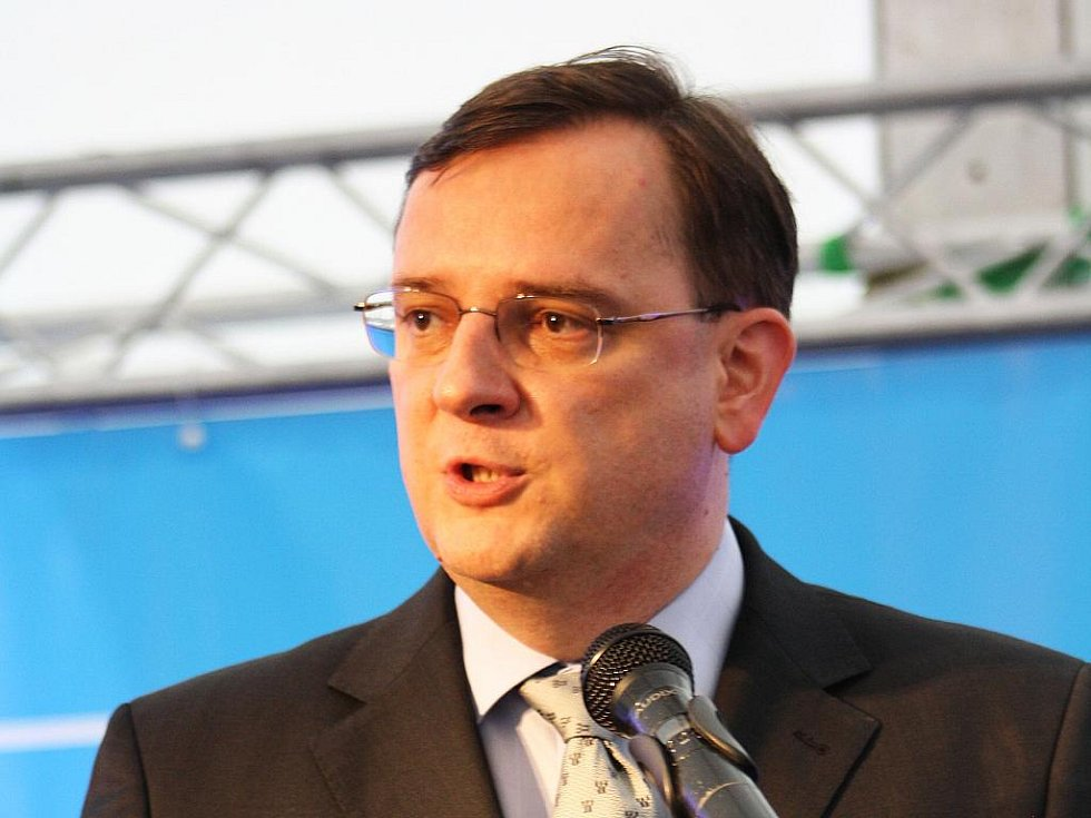 Petr Nečas použil ve své kritice ministra Karla Schwarzenberga obec Čimelice. Místním se to nelíbí.