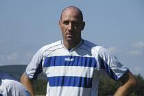 Jan Koller svým gólem rozhodl o výsledku sobotního zápasu okresního fotbalového přeboru, ve kterém Smetanova Lhota zvítězila nad týmem Podolí II 1:0.