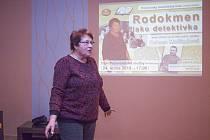 Setkání Protivínského vlastivědného klubu na téma Rodokmen jako detektivka.