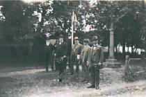 Lípu svobody slavnostně vysadili v Miroticích 13. dubna roku 1919 členové místního Sokola.