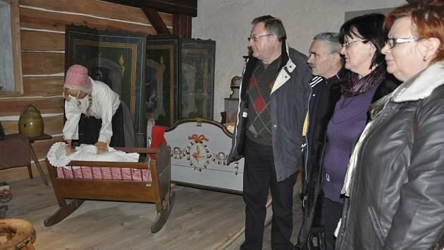Jednu z posledních možností prohlédnout si Prácheňské muzeum v Písku před dvouměsíční zimní přestávkou využili manželé Kozákovi a Bozkovi z Dobřejic na Táborsku.