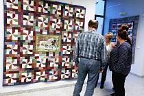 Výstava patchworku členek Prácheňské umělecké besedy v Písku   v budově krajského úřadu v Českých Budějovicích.
