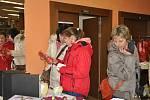 Jedenáctý ročník tradiční vánoční charitativní výstavy pořádané firmou KOČÍ je k vidění v kině Portyč. Výstava potrvá do 8. prosince.