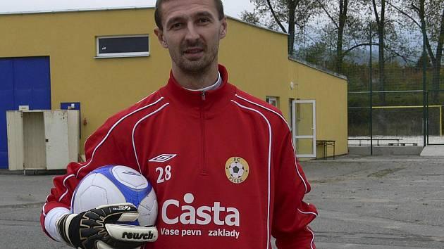 Brankář Peter Bartalský (na snímku) přišel do fotbalového klubu FC Písek na hostování z Viktorie Žižkov do konce letošního roku.