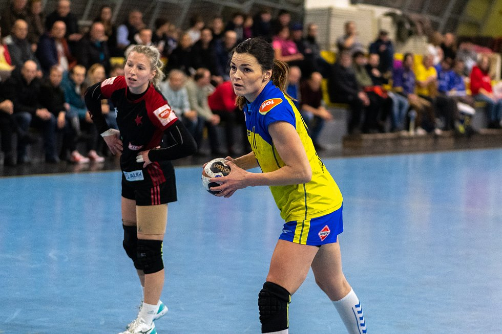 Reprezentační spojka a výtečná střelkyně Hana Kvášová v příští sezoně znovu oblékne dres píseckých házenkářek.