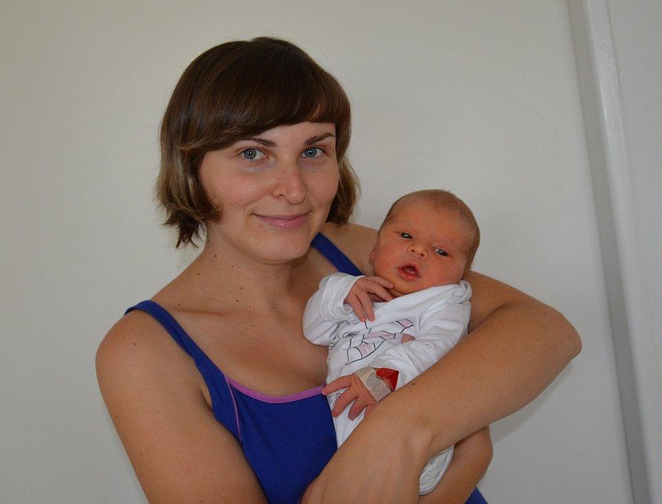 Adriana Píchová zBranic. Prvorozená dcera Kláry a Tomáše Píchových se narodila 10. 7. 2019 v5.38 hodin. Při narození vážila 3300 g a měřila 50 cm.