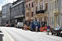 Nádražní ulice bude od pondělí průjezdná jen kyvadlově.