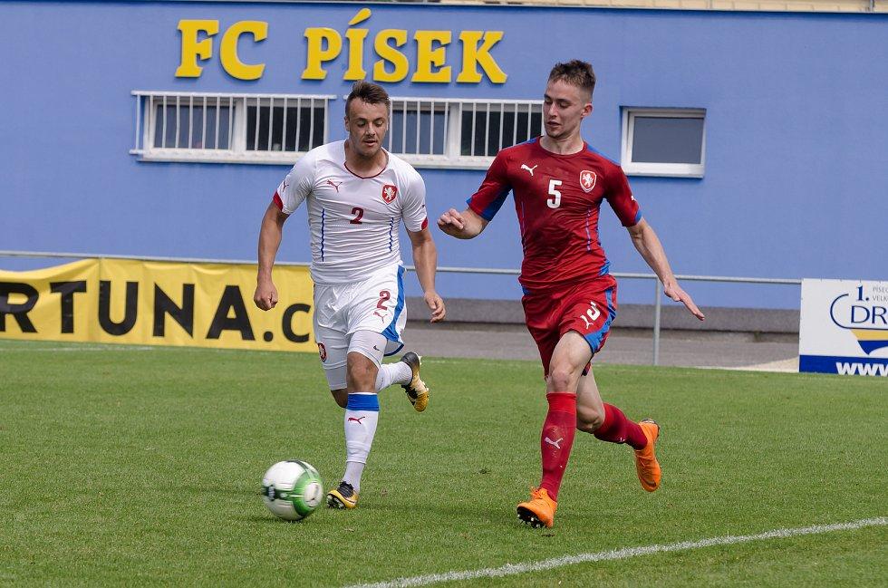 Reprezentanti U20 si v Písku zahráli proti sobě.