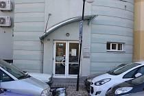 Zrekonstruované prostory milevského městského úřadu po úřadu práce. Zadní vchod z parkoviště.