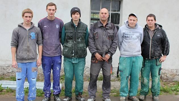 Žáci ze SOŠ a SOU Písek na praxi v Klukách.