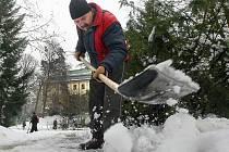 Městské služby Písek tvrdí, že úklid nezanedbaly. 105 žádostí o odškodnění hovoří ale jinak. Právě kvůli tomu chce město dát na zimní úklid komunikací více peněz.