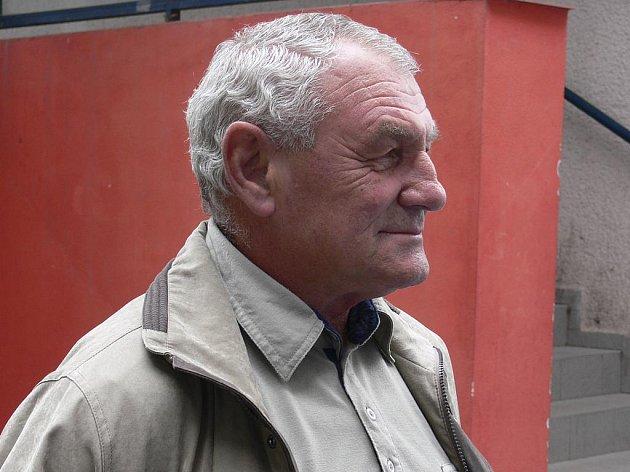 Trenér Arnošt Raník (na snímku) povede společně s Tomášem Maříkem v letošní sezoně druholigové házenkáře Sokola Písek.