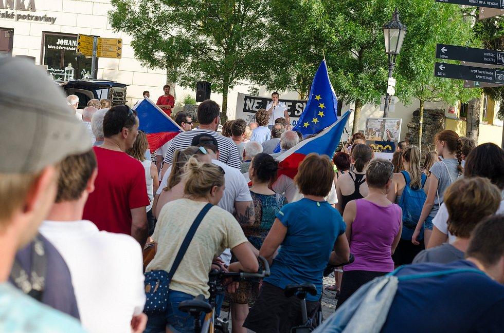 V Písku se demonstruje proti Andreji Babišovi.